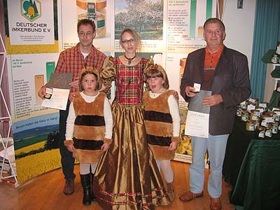 Imker des Bienenzuchtvereins Saarburg erhalten erneut höchste Auszeichnungen